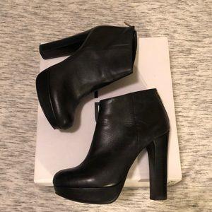 Aldo black zip chunky heel booties. Size 8.